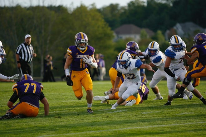 Kaydan Berry had a record-setting night as the Lexington Minutemen won their opener for new coach Tim Scheid.