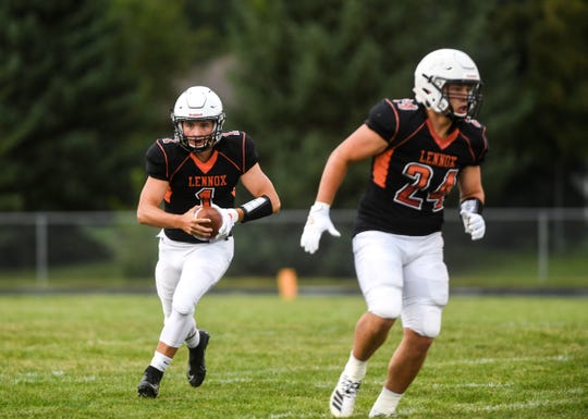 Lennox High School quarterback Josh Arlt (1) has helped lead the Orioles to the Class 11A state finals.