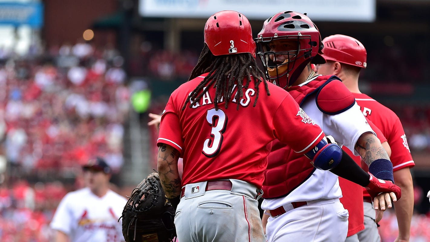 Yadier Molina: They don't want me to catch Johnny Bench with 10 Gold Glove awards