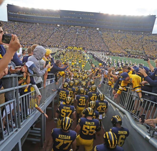 The Michigan Wolverines take the field for the 2019 opener.