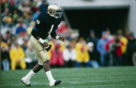 Todd Lyght #1 of the Notre Dame Fighting Irish lines up for a play during the game against the USC Trojans at Notre Dame Stadium on October 21, 1989 in South Bend, Indiana.