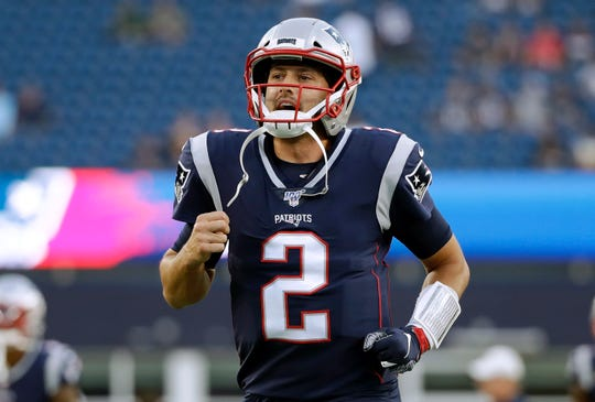 New England Patriots quarterback Brian Hoyer warms up before an NFL preseason football game against the New York Giants, Thursday, Aug. 29, 2019, in Foxborough, Mass. (AP Photo/Elise Amendola)