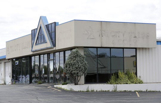 The former Tri City Glass & Door building at the corner of Northland Avenue and Oneida Street in Grand Chute will be demolished, and Casey's General Store will build a new convenience store and gas station at the site.