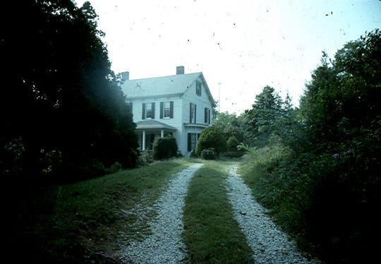 Patton-Murphy house, built in 1879 and demolished for the Lowe's Home Improvement Store on Tunnel Road.  Photo by author.