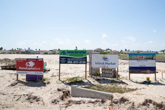 Island Market will be a 20,000 square foot grocery store located at 15401 South Padre Island Drive.