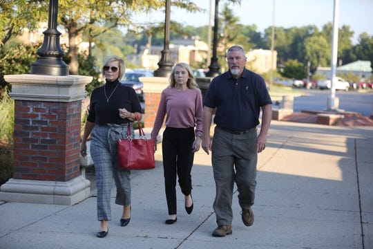 Brooke 'Skylar' Richardson walks into court with parents Kim and Scott on Sept. 3, 2019.