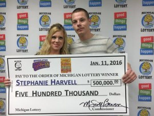 Stephanie Harvell and Mitchell Arnswald after claiming $500,000 Hot Jackpot prize in Jan. 2016.