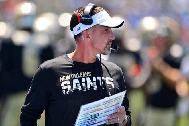 New Orleans Saints defensive coordinator Dennis Allen coaches during the Aug. 18 preseason game against the Los Angeles Chargers.
