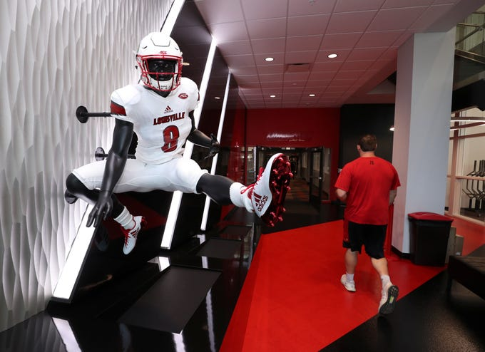Louisville football: See players lounge at Schnellenberger