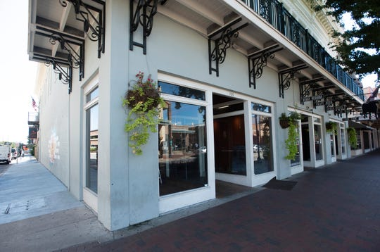 The Subway restaurant at 100 Palafox Place closed on Friday after the franchisee declined to renew his lease on the building.