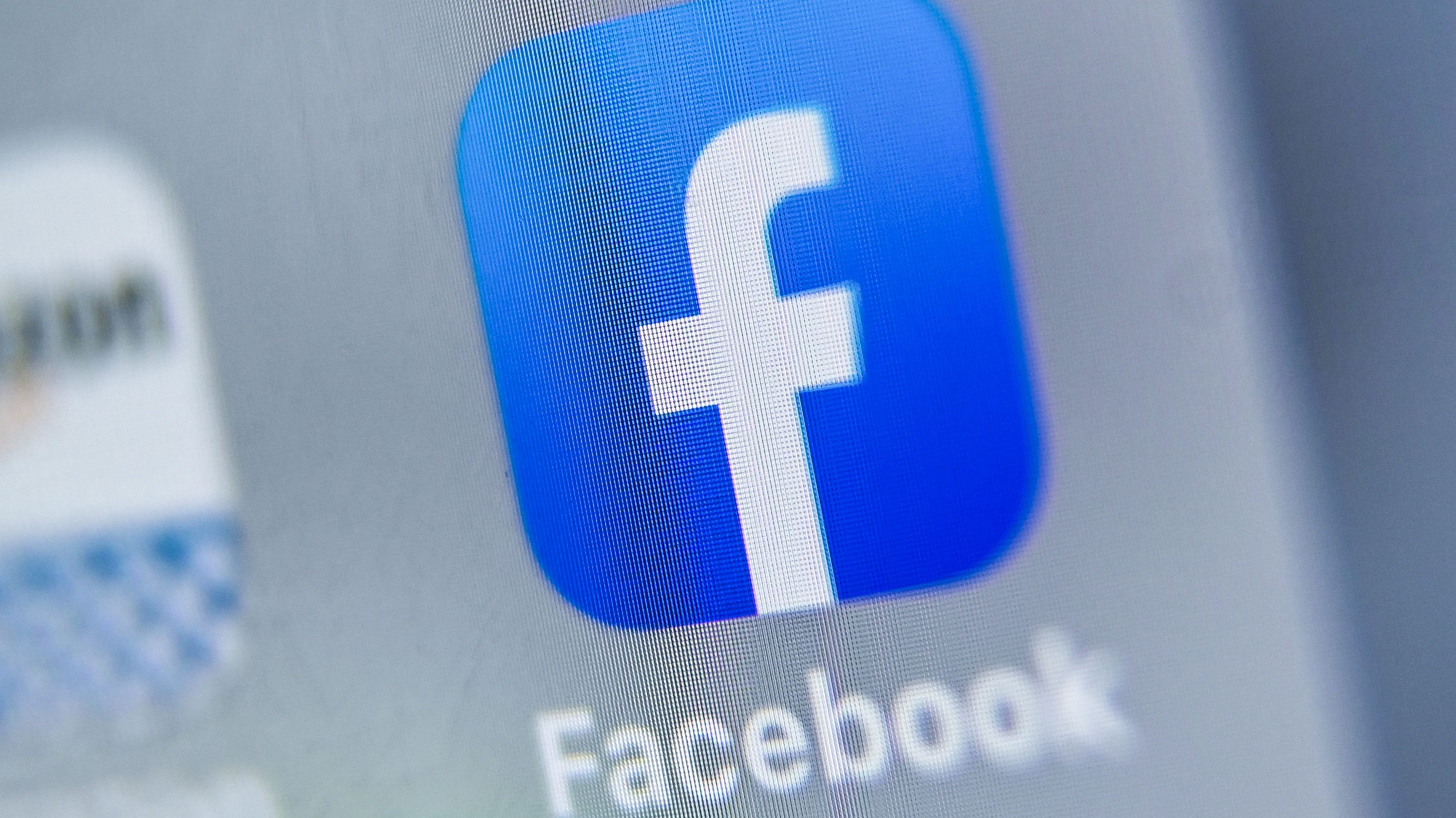Facebook also considering hiding 'likes' after testing on