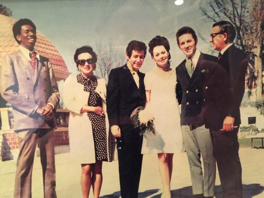 From left to right: Eddie Fisher's pianist, Judith Exner, Eddie Fisher, Diane Robinson, Bobby Morris and Sam Giancana.
