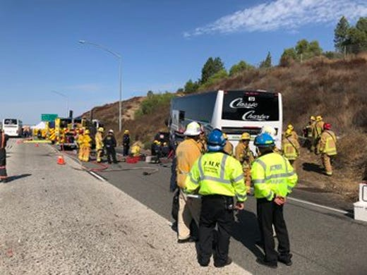 Bus crash shuts down Highway 118 in Simi Valley