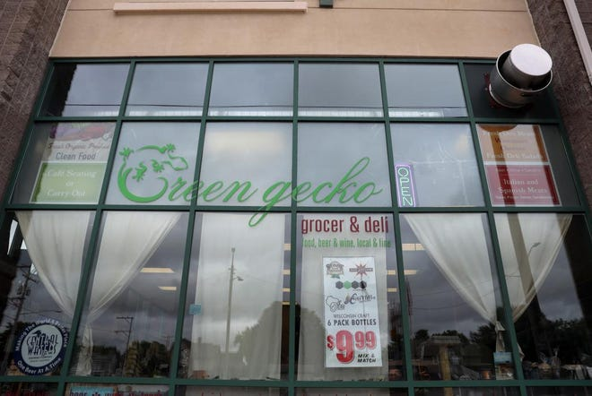 The Green Gecko is located in the ground floor of Richmond Terrace.