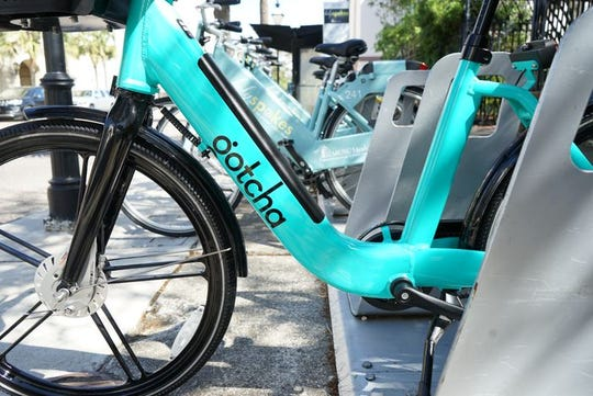 Iowa City Council signed a contract with Gotcha Mobility LLC for a bike-share service to begin in the downtown of the city.