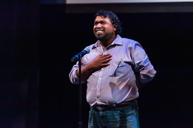 Abu Chowdhury, s'exprimant dans le cadre du projet The Advertisers Storytellers au Centre des arts Acadiana.  Mardi 3 septembre 2019.