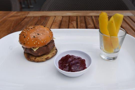 Exotique burger by pastry chef Julien Chantereau