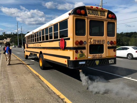 Leon County Schools bus driver pulls kids off bus after