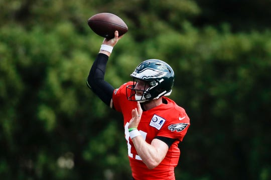 Eagles quarterback Carson Wentz throws a pass during practice in Philadelphia on Wednesday.