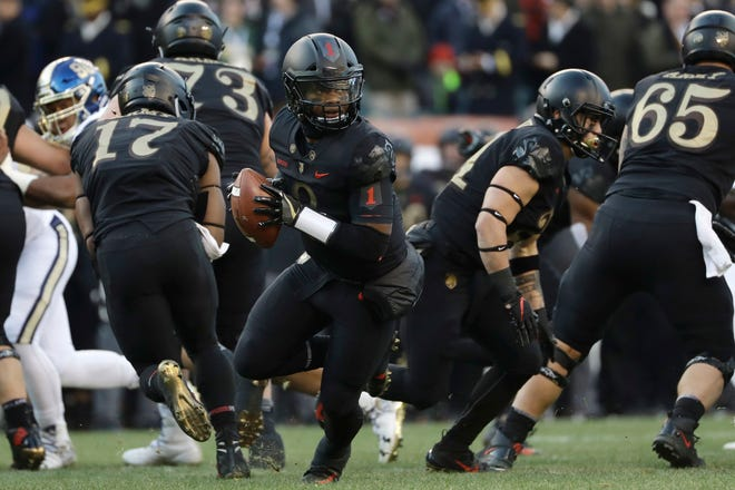 Army quarterback Kelvin Hopkins Jr.