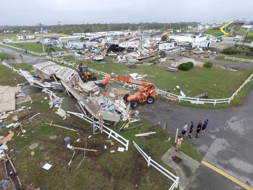 Hurricane Dorian NC Friday update: Storm weakens to Cat  1