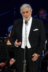 Fotografía de archivo del 28 de agosto de 2019 muestra al tenor español Plácido Domingo durante su presentación en la ceremonia de inauguración del escenario deportivo Szent Gellert Forum en Szeged (Hungría).