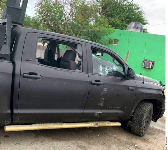 Los agresores viajaban en una camioneta con accesorio base lanzagranadas en el capacete.