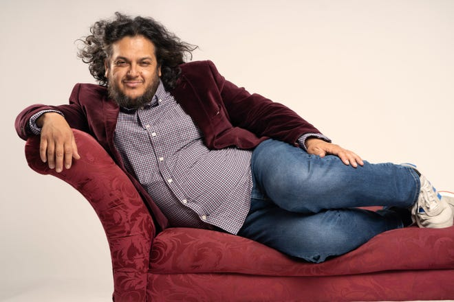 Comedian Felipe Esparza to bring his Bad Hambre Tour to El Paso.