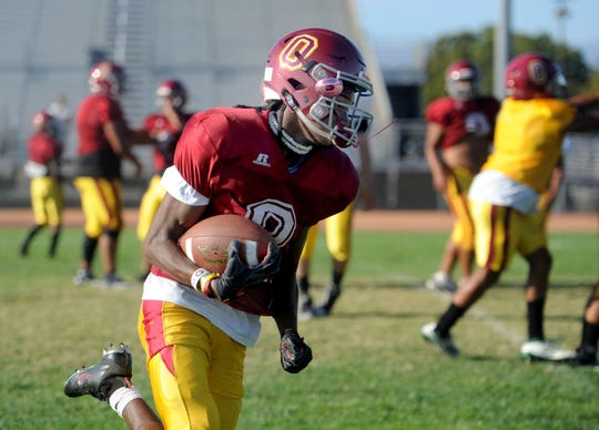 Wide receiver Aaron Fontes and Oxnard travel to Moorpark College on Friday night to take on fellow unbeaten Camarillo.