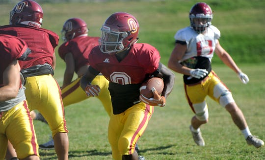 After amassing 2,279 yards from scrimmage and scoring 32 touchdowns last season, Xavier Harris had gained 1,092 yards and scored 14 times so far this season for Oxnard.