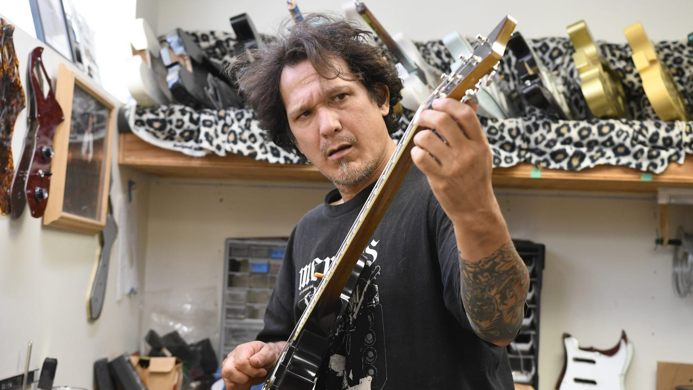 With or without Gibson, Detroit guitarmaker strikes chord with musicians