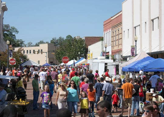 The Loblolly Festival attracts thousands of visitors to downtown Laurel each fall.