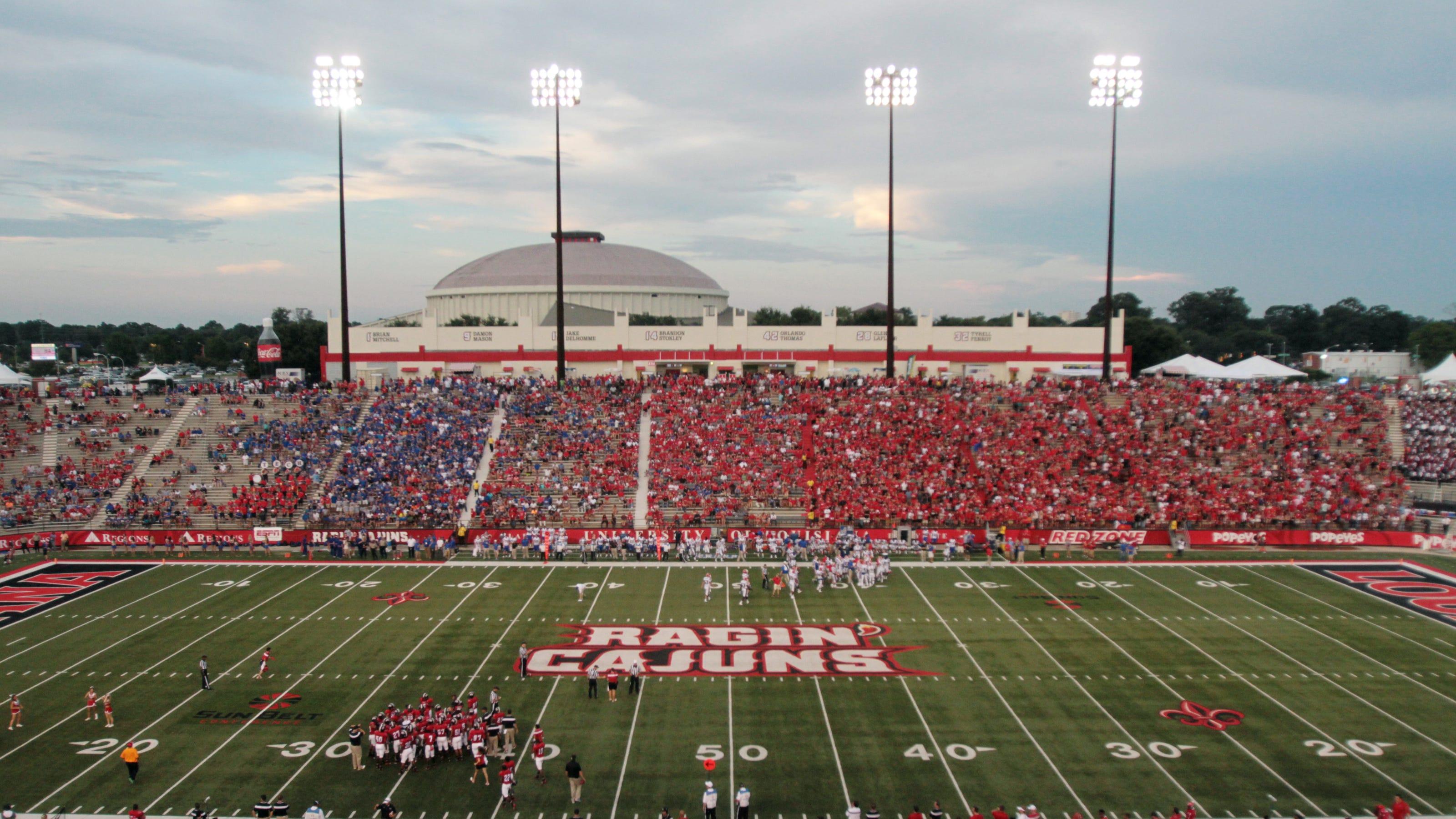 Louisiana Football Capacity Capped Alcohol Banned At Ul Games