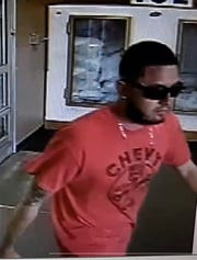 El Paso police needs the public's help in the case of a man using a stolen identity to purchase two phones and get phone service.