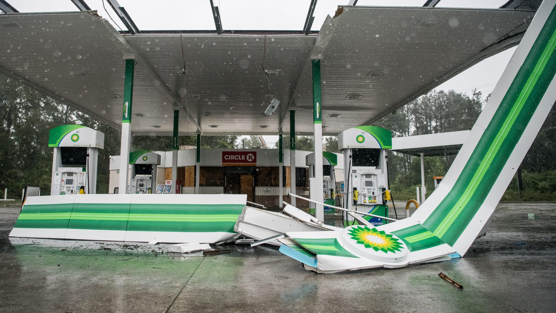 Westlake Legal Group f8b7d69a-e292-4c2d-a3f2-fbc95c978458-GTY_1166106093 Hurricane Dorian lashes North Carolina's Outer Banks as Category 1; still awaiting landfall