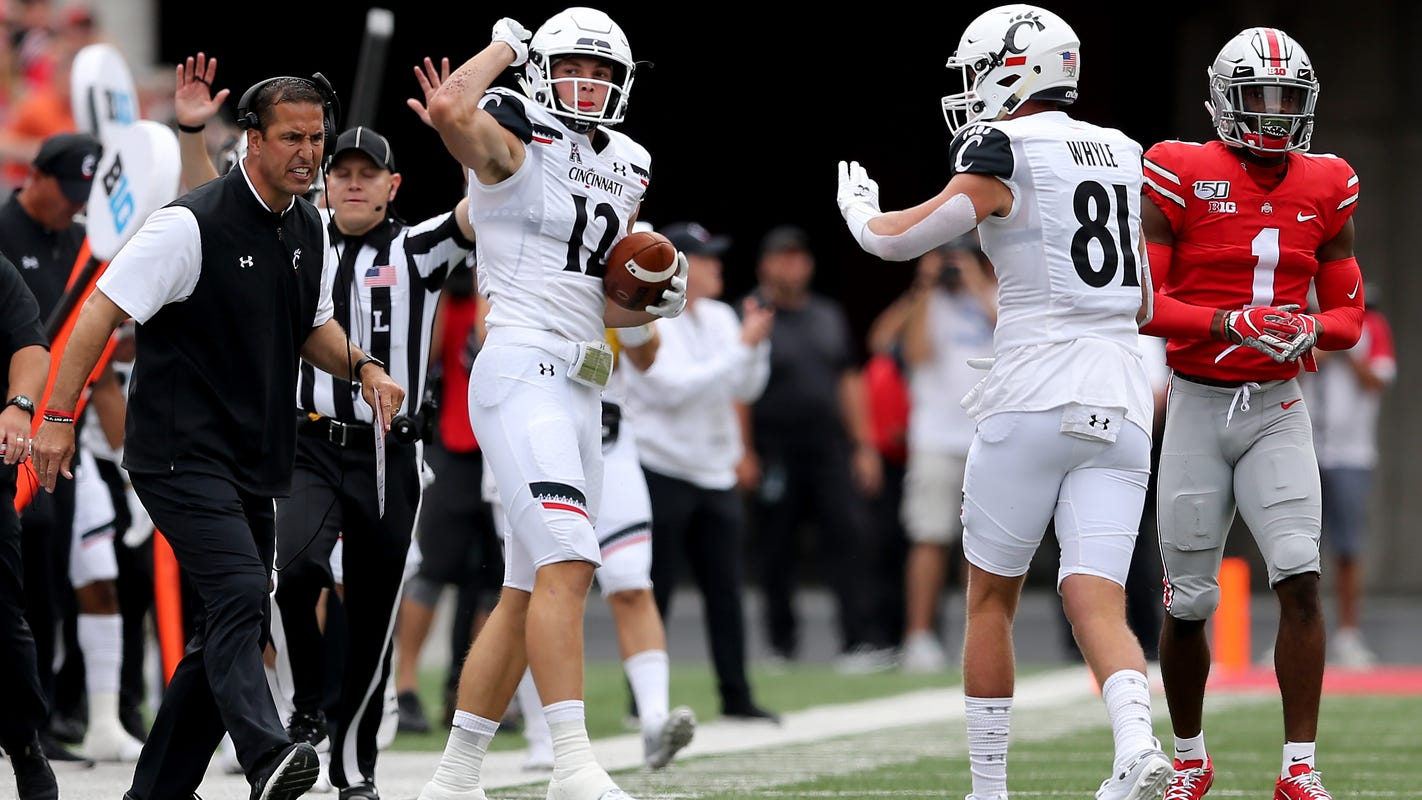 Cincinnati football moves up to No. 21 in AP Top 25, Amway Coaches Poll