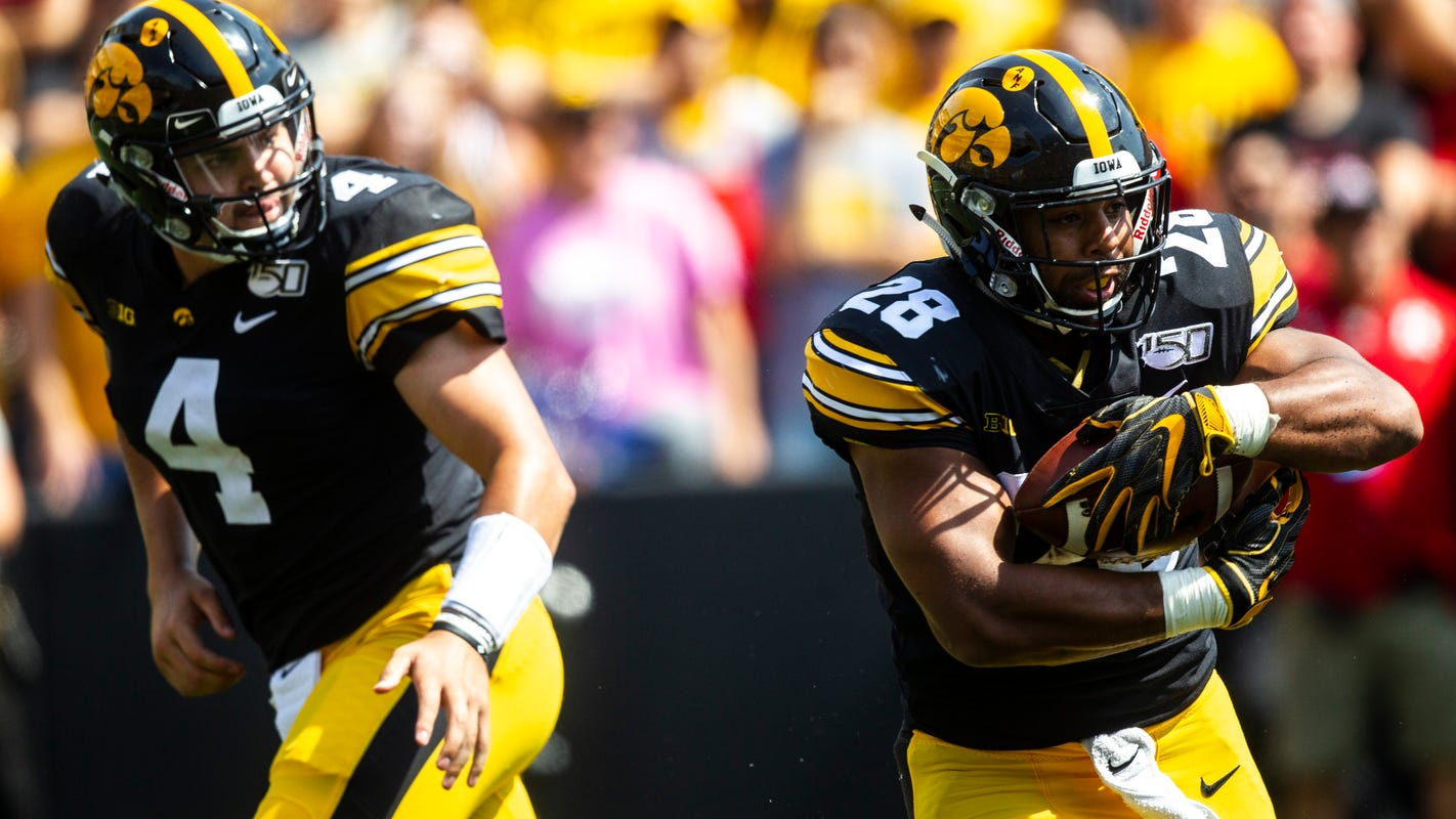 Iowa Hawkeyes football: After Cy-Hawk squeaker, Hawkeyes hold relatively steady in Top 25 polls