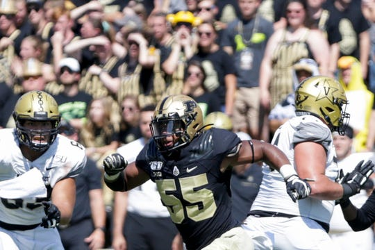 Purdue defensive end Derrick Barnes (55) evades the Vanderbilt offense during the second half of a NCAA football game, Saturday, Sept. 7, 2019 at Ross-Ade Stadium in West Lafayette.