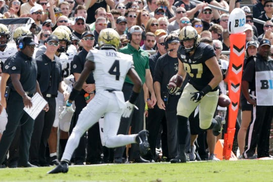 Purdue tight end Payne Durham (87) runs the ball during the second quarter of a NCAA football game, Saturday, Sept. 7, 2019 at Ross-Ade Stadium in West Lafayette.