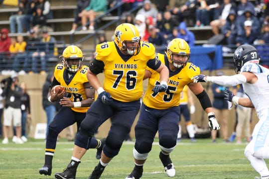 Augustana remains in the Division II playoff hunt as they prepare to take on MSU-Moorhead.