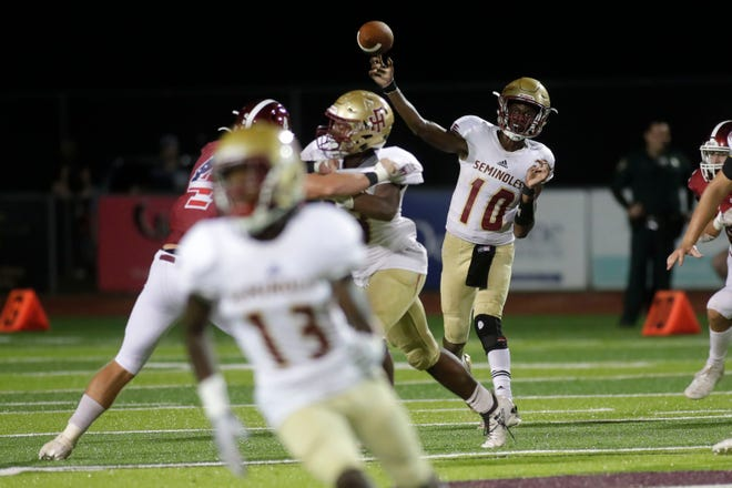 Florida High Seminoles quarterback Willie Taggart Jr. (10) passes down the field to an open teammate. The Florida High Seminoles beat the Chiles Timberwolves 20-19 Friday, Sept. 6, 2019.