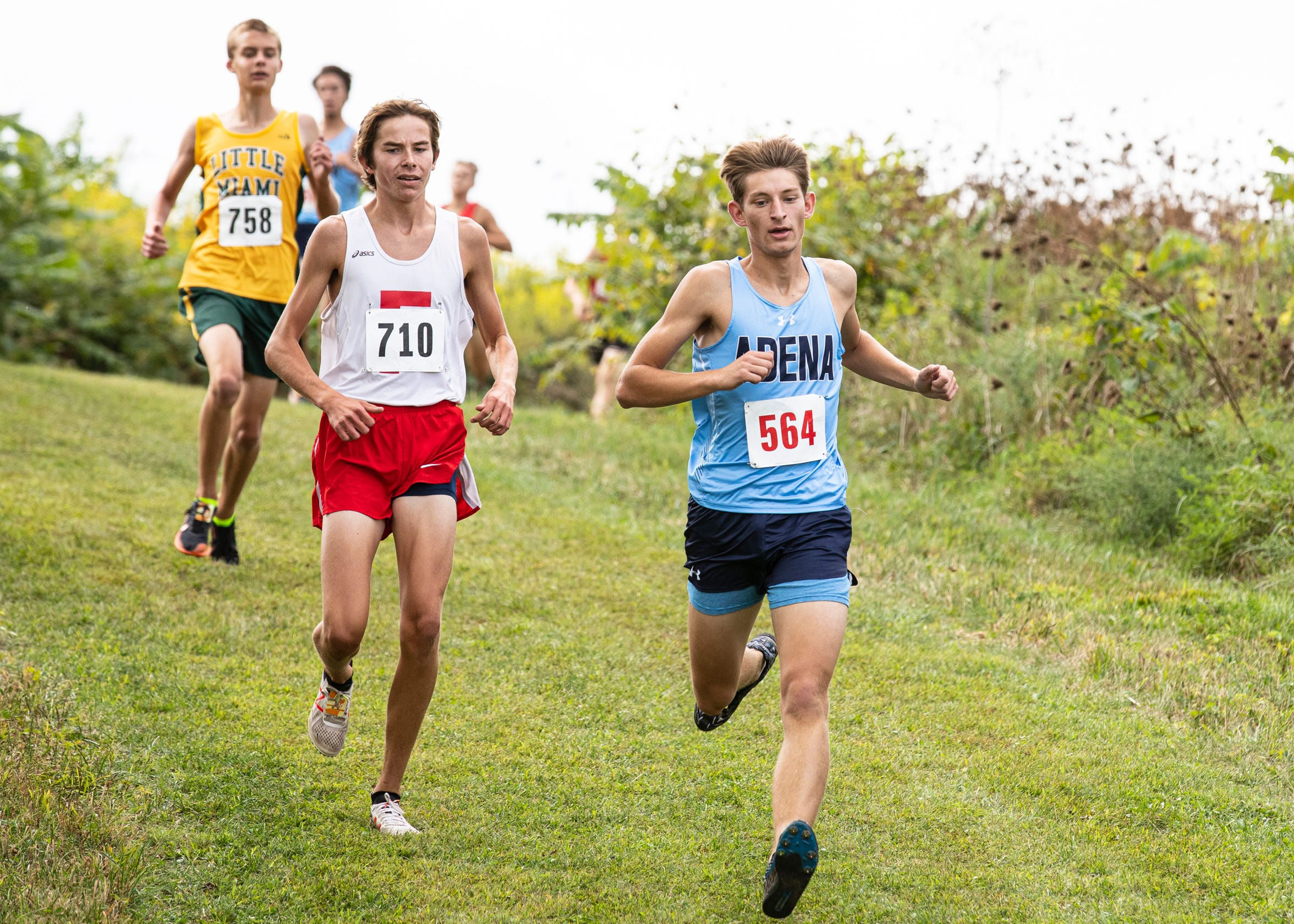 After being injured and falling his junior year at the Zane Trace Invitational, senior Noah Kanniard proved he was one of the top area runners by placing seventh out of 219 runners and took the top placing of all the local runners.