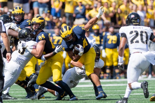 Michigan running back Zach Charbonnet had 33 carries against Army.