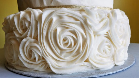 Detail of a wedding cake from Gayla Cake.