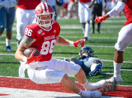 Indiana Hoosiers tight end Peyton Hendershot (86) scores a touchdown during the game against Eastern Illinois at Memorial Stadium in Bloomington, Ind., on Saturday, Sept. 7, 2019.
