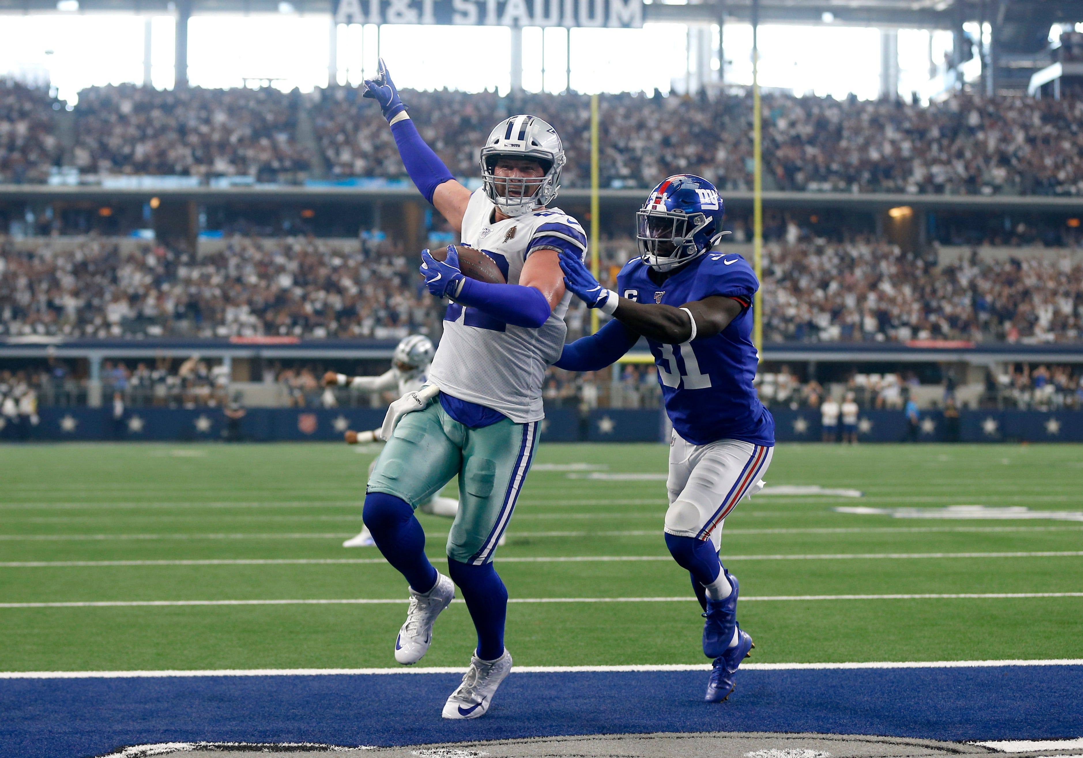cheap for discount f4aea 59ed9 Dallas Cowboys overwhelm NY Giants with 35-17 victory in season opener
