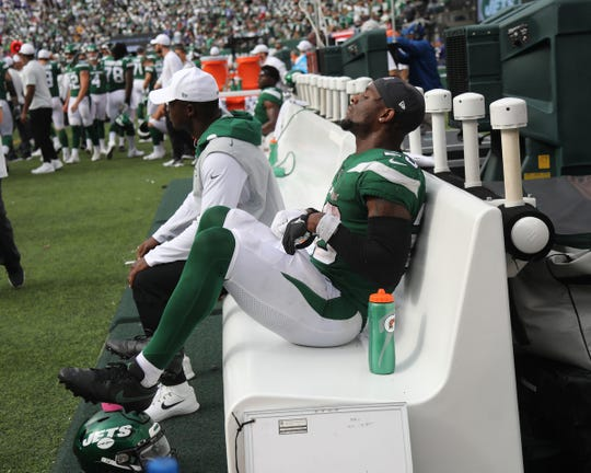 Le'Veon Bell of the NY JetsÊon the bench as the his team loses their lead in the 2019 season opener between the Buffalo Bills vs the New York Jets from MetLife Stadium in East Rutherford, NJ on September 8, 2019.