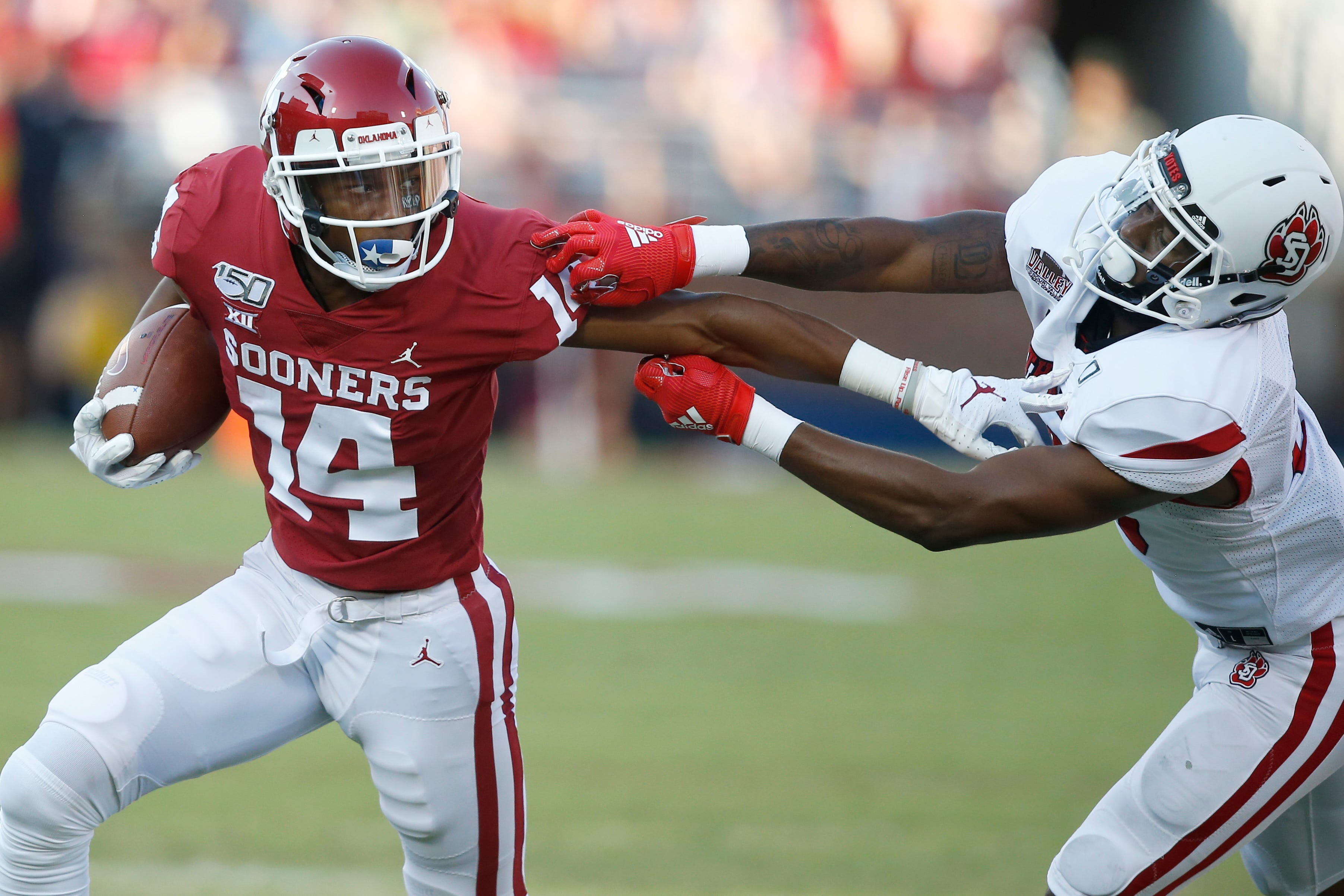 No 4 Oklahoma Sooners Roll Up Over 700 Yards In Rout Of South Dakota
