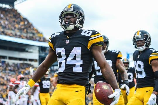 Wide receiver Antonio Brown celebrates his touchdown for the Steelers against the Browns.