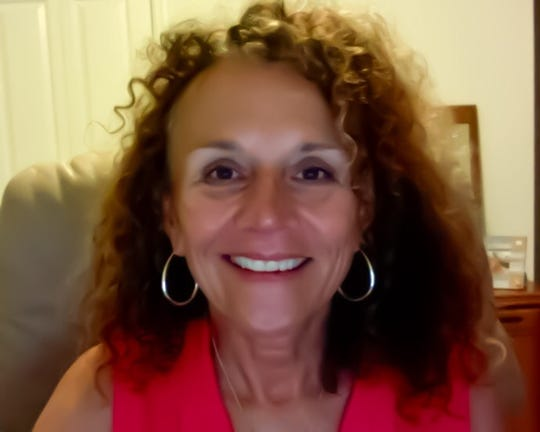 Patti Sponsler, MS, is a Martha Beck and BARE-certified Life Coach who helps women lose the emotional baggage to gain lives that they love.